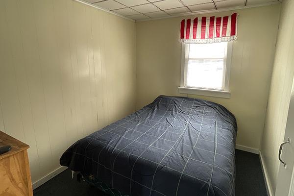 Queen-bed-Cottage-1
